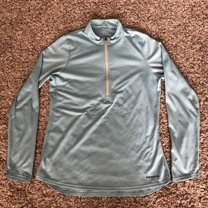 Patagonia 1/2 zip lightweight polyester pullover M
